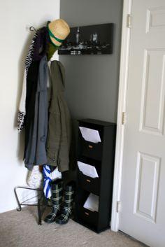 la vie en rose: Adding Space, Part 2: DIY Apartment Mudroom (1)