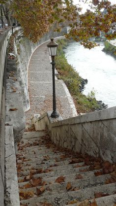 Roma, Lungo il Tevere, mese di Novembre