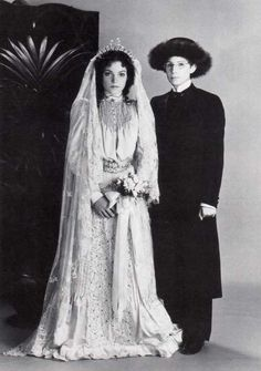 "Barbra Streisand & Amy Irving - ""Yentl"" (1983) - Costume designer : Judy Moorcroft"