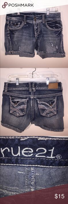 Curvy Jrs 9/10 Denim Shorts Like New Curvy Jrs 9/10 Denim Shorts Like New Rue 21 Shorts Jean Shorts