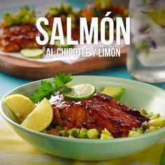Salmón al Chipotle y Limón - Atıştırmalıklar - Las recetas más prácticas y fáciles Salmon Recipes, Fish Recipes, Seafood Recipes, Mexican Food Recipes, Cooking Recipes, Tasty Videos, Food Videos, Healthy Snacks, Healthy Eating