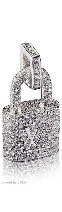 Louis Vuitton §