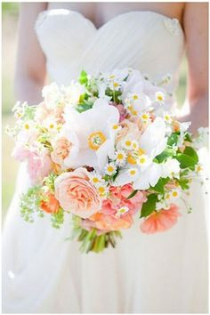 Wildflower & baby daisy bouquet...im so in love with this!!! @Alysen Dacosta Best