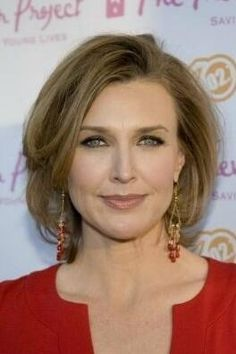 Online celebrity details for Brenda Strong. See the pictures, main movie and television roles and read full biography and filmography. Cheap Human Hair, Human Hair Wigs, Celebrity Wigs, Celebrity Style, Weave Hairstyles, Cool Hairstyles, Brenda Strong, Amy Robach, Strong Hair
