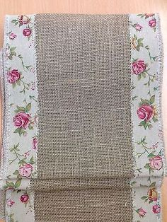 chic dining Hessian Shabby Chic Table Runner with Country Ribbon Trim Mesas Shabby Chic, Shabby Chic Dining Room, Chic Living Room, Shabby Chic Homes, Shabby Chic Style, Shabby Chic Decor, Rustic Wood Furniture, Shabby Chic Furniture, Alpillera Ideas