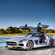 Cool Mercedes SLS AMG https://www.facebook.com/coolcarscovers