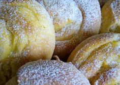 Vanília pudingos csiga recept foto Hungarian Cake, Sweet Treats, Deserts, Muffin, Menu, Sweets, Bread, Baking, Recipes