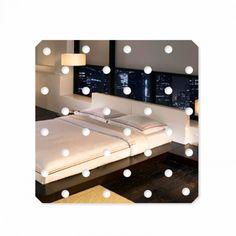 Luxusná zrkadlová nálepka ako dekorácia Toddler Bed, Furniture, Home Decor, Homemade Home Decor, Home Furnishings, Decoration Home, Arredamento, Interior Decorating
