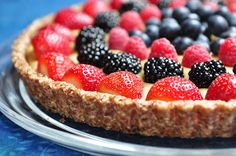 The Whole Life Nutrition Kitchen: Raw Berry Tart with a Coconut Pastry Cream (vegan, gluten-free) - Great for Easter or 4th of July @Belinda Chang Hepburn