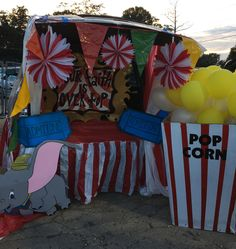 FBC Tallulah, La Fall Carnival Trunk or Treat Our Faith is Over the Top - Roundtables. Halloween Carnival Games, Fall Carnival, Carnival Themes, Circus Theme, Halloween 2018, Fall Halloween, Halloween Decorations, Halloween Party, Halloween Costumes