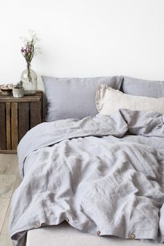 Grey duvet cover for cosy bedroom design