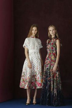 Lela Rose - Pre-Fall 2017 Lela Rose Pre-Fall 2017 Fashion Show Collection See the complete Lela Rose Pre-Fall 2017 collection. Lela Rose, Fashion 2017, Fashion News, Runway Fashion, High Fashion, Party Fashion, Woman Fashion, Luxury Fashion, Vogue