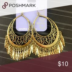 """Claire's Antique Hammered Brass Fringe Earrings New with tags. NWT.  Claire's """"sensitive solutions"""" vintage style boho gypsy earrings with filigree design and fringe. Distressed antique brass finish with a hammered texture. Gorgeous!  2 X 3"""".                                             🔹Please ask all questions before you purchase! I'm happy to help! 🔹Sorry, no trades or holds 🔹Please, no lowball offers 🔹Please use Offer Button! 🔹Bundle for best prices! 💕Happy Poshing! Claire's Jewelry…"""