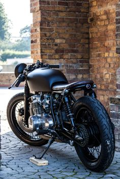 Custom build Cafe Racer Yamaha XS750 for enquires on this bike or other custome builds please contact me on luke@robinsonsspeedshop.com