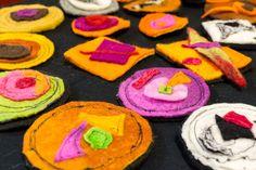 Spille in feltro artigianale - handmade felting pins by Atelier dell'istrice Felt Art, Food, Atelier, Eten, Meals, Diet