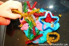 Playdough firework activity for toddlers and preschoolers. Great bonfire night or new years eve kids activity idea. Bonfire Crafts For Kids, Bonfire Night Crafts, Toddler Preschool, Toddler Activities, Big Fireworks, Diwali Activities, Nursery Activities, Guy Fawkes, Birthday Candles