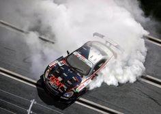 Nice imatge Slot Car racing.