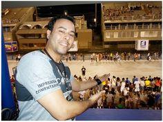 Faz Parte da Minha Vida! Foto:Domingo (13), Marquês de Sapucaí. Apresentador, Repórter e Comentarista. Facebook: Samba Conexão News - site www.sambaconexaonews.com.br/home/