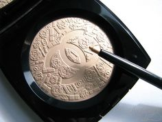 Chanel Or Rose Stylo Yeux is like Poudre Signee de Chanel Illuminating Powder in eyeliner form!