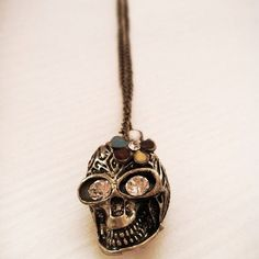 buy from Etsy : shoppinh online   Skull Necklace   https://www.etsy.com/it/listing/164271445/collana-con-teschio-decorato-decorated