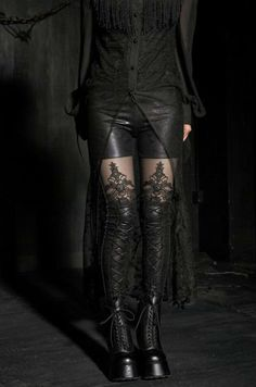 Macbeth Leggings Available in sizes S till XXXXL. Also a warm version of these leggings are available.