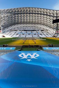 Football Stadiums, Football Players, Velodrome Marseille, Leonel Messi, Basketball Court, Soccer, Everton Fc, Camp Nou, Football Cards