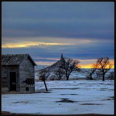 www.inthebluffs.com #inthebluffs  Chimney Rock Nebraska by inthebluffs