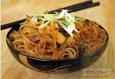 10 perces kínai tészta Sin Gluten, Hungarian Recipes, Hungarian Food, Wok, Japchae, Spaghetti, Easy Meals, Cooking Recipes, Easy Recipes