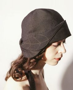 Two leaves cloche, silk wool blend with top stitching