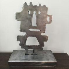 Sculpture Totem www.loftboutik.com