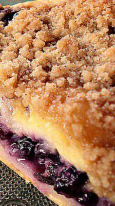 Creamy Blueberry Pie has a layer of custard made with sour cream , not milk, that makes it not only creamy and blueberry delicious, but very easy to make. Just Desserts, Delicious Desserts, Dessert Recipes, Yummy Food, Health Desserts, Cupcakes, Sweet Pie, Blueberry Recipes, Eat Dessert First