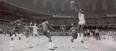 NCAA Finals: Last Shot 17sec Jordan (Panorama photo) (1982/83)