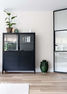 Living Room Inspiration, Interior Inspiration, Zen Room, Scandinavian Home, Decoration, Home And Living, Living Area, Family Room, Sweet Home