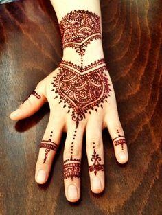 Henna tattoo henna love mehndi india henna arabic henna kına gecesi hint kinasi