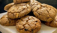Cookie vegano de amendoim Cookies, Plant Based, Bread, Chocolate, Desserts, Recipes, Food, Oat Flour, Pastry Chef School