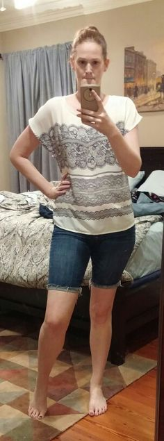 Stitch fix top and pre pregnancy A&F shorts that fit again #stitchfix