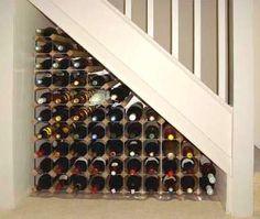 under the stairs  Muebles y Decoración de Interiores: Debajo de la escalera para ahorrar espacio en el hogar