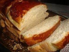 Pão sovadoé o nome pelo qual é às vezes chamado o pão Provence no Brasil. Ganhou esse nome devido ao fato de que sua massa tem de ser muito sovada.   Ingredientes  1 copo de leite morno