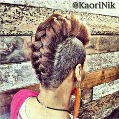 20 fancy twist hairstyles for natural hair. Natural hairstyles for short hair. Two strand twist hairstyles natural hair. Easy hairstyles for natural hair. Protective Hairstyles, Twist Hairstyles, Black Women Hairstyles, Cool Hairstyles, Shaved Hairstyles, Braided Mohawk Hairstyles, Hairstyles 2018, African Hairstyles, Colorful Hair