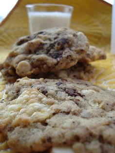 Trash Mash Cookies: chocolate chips, white chocolate chips, pretzels, coffee grounds, potato chips...