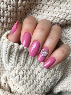 Indyjski Róż to odcień który doskonale komponuje się ze świecidełkami, tworząc spójna całość 💅! Jak Wam się podoba ten kolorek? 😍  #noxnailspl #noxnails #nails #nail #nailsart #nailart #nailsartist #instanails #nails2inspire #nailswag #nailsoftheday #pinknails #mani #manicure #manicurehybrydowy #paznokcie #paznokciehybrydowe #paznokcieżelowe #paznokciezelowe #hybrydy #hybryda #pazurki Nailart, Manicure, Makeup, Beauty, Nail Bar, Make Up, Nails, Polish, Beauty Makeup