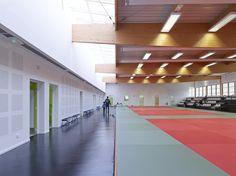 Les Grands Moulins-Sport Complex / Ligne 7 Architecture