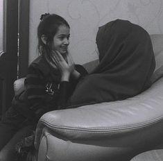 Modest Fashion, Hijab Fashion, Beautiful Freckles, Mother Daughter Fashion, Hijab Niqab, Afghan Dresses, Arab Girls, Muslim Couples, Girls Image