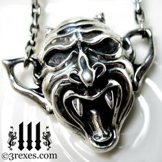 Gargoyle necklace.  Oh, yes, I would definitely wear this.