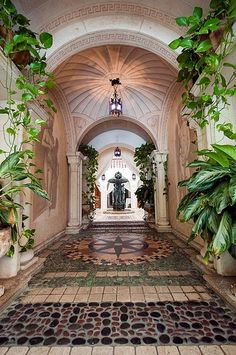 Versace Mansion, South Beach, Miami | See more Amazing Snapz