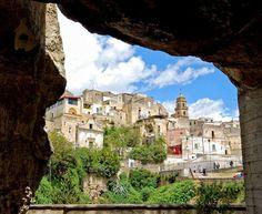 Gravina in Puglia dalla grotta rupestre S. Michele, Bari, Puglia