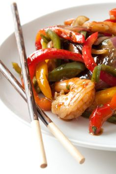15 Minute Ginger Shrimp Stir Fry | Can You Stay For Dinner?  Without jalapeños for our house...