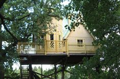 Tree house for the girls :)