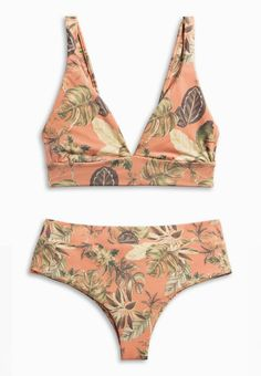 Mingle with FLAMINGO : Phil bikini top + Raz mid-rise bottoms in N E W tropical floral xx Boys and Arrows Long Torso Swimsuits, Cute Swimsuits, Women Swimsuits, Beach Vacation Outfits, Green Bikini, High Cut Bikini, Surf Outfit, Bikini Tops, Bikini Bottoms