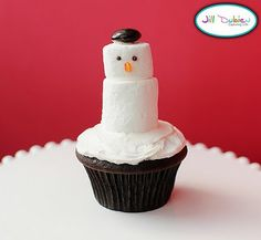 The one thing I can bake and bake well is a cupcake... so this is totally on the agenda when December rolls around.